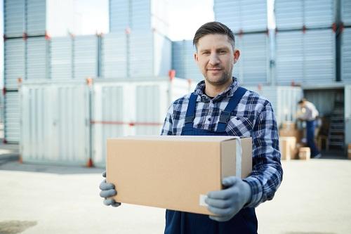 un service de livraison express de colis